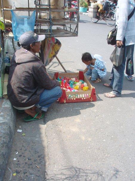 2009-bird-market-yogyakarta-indonesia-1936838_1172532520354_3157072_n