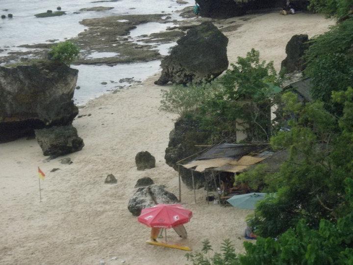 2010-pura-luhur-uluwatu-cliff-temple-35739_1514831837623_4039906_n